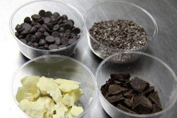 איך מכינים שוקולד?